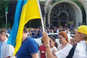 Мэр Херсона призывает украинцев отказаться от русской музыки и товаров