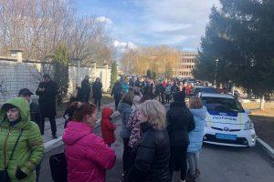 В Львовской области перекрыли дорогу для недопущения эвакуированных из Уханя украинцев