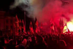 Украинская оппозиция призывает ответить на атаку на посольство РФ в Киеве