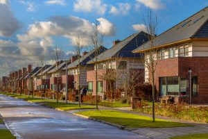Насколько выгодно загородное жилье?
