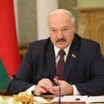 Лукашенко отверг «дружескую руку» Украины и кинулся в «удушающие объятия» Путина – Кулеба
