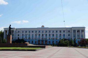 Власти Крыма сравнили украинизацию с падением в пропасть