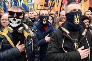 Украинские ультраправые группировки грозят Зеленскому «вооруженным «майданом»