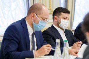 Глава Минздрава заявил, что украинцы не хотят вакцинироваться