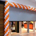 Оформление магазина шариками