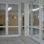 Главные особенности алюминиевых дверей