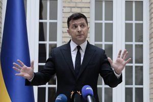 Два года президентства Зеленского. На Украине тепло вспомнили Януковича и Порошенко