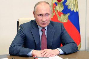Путин считает, что Украину превращают в «антипод» России