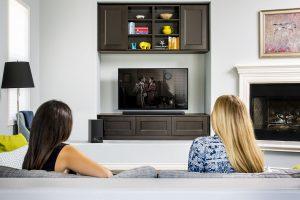Что выбрать для размещения телевизора: стойки, тумбы или кронштейны
