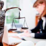 Чем занимается адвокат и когда его стоит посетить?