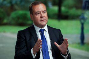 Медведев: говорить с нынешними властями Украины нет смысла, надо ждать вменяемых